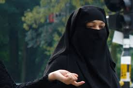 Sri Lanka Bans Face coverings: Citizens Outraged